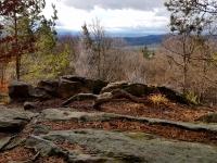 Skočický Hrad - záhadný vrchol s pravěkým hradištěm