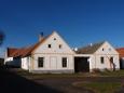 Vznik Holašovic se datuje do první poloviny 13. století, i když první zmínka o ní se objevuje až v roce 1292 v listině krále Václava II., který Holašovice spolu s několika dalšími vesnicemi daroval cisterciáckému klášteru ve Vyšším Brodě, v jehož majetku zůstávají až do roku 1848.