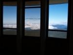 Nahoru vás vyveze výtah a čekají tady daleké výhledy. Z vyhlídkové terasy umístěné ve výšce 1 563 m.n.m. je úchvatný výhled na celé panorama Jeseníků. Za jasného počasí lze ojediněle spatřit siluetu Vysokých Tater, Malou a Velkou Fatru. Zajímavostí jistě je, že vrchol věže dosahuje nejvyšší dosažitelné nadmořské výšky v ČR.