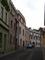 Po bitvě na Bílé hoře (8.listopadu 1620) odbojné Prachatice ztratily všechny výsady a svůj majetek, včetně helfenburského panství. Město bylo připojeno k panství krumlovskému a ztratilo i práva města královského. Obchod na stezce pomalu upadal.