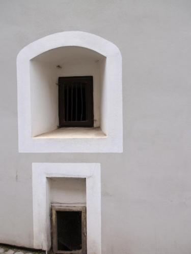 V Horní ulici je mnoho zajímavých domů z nichž na nás hledí historie.