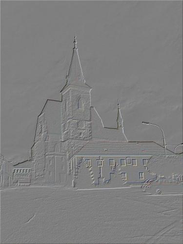 CHVALŠINY Roku 1263 daroval král Přemysl Otakar II. Chvalšiny cisterciáckému klášteru ve Zlaté Koruně. R. 1293 povýšeny na městečko. V témže roce připomíná se Konrád, plebán chvalšinský. Od r. 1400 byla farnost inkorporována ke zlatokorunskému klášteru do jeho zrušení. R. 1785 obnovena farnost, r. 1897 děkanství. Matriky od r. 1784. Kostel pozdně gotický z let 1457 - 1507. R. 1761 přistavěna kaple Panny Marie. V letech 1940 - 1945 spravováno z Lince.
