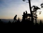 Hradiště na vrcholu Sedla je druhým nejvýše položeným opevněním tohoto typu v Česku, po nedalekém Obřím hradu. Jedná se o zcela unikátní skalní pevnost pocházející z období 5. až 7. století před naším letopočtem. Skládá se z přirozených obranných prvků, jež jsou tvořeny soustavou místních skalek a skal doplněnou o dlouhý umělý kamenný val v celkové délce asi 400 metrů. Její přibližná velikost činí zhruba 400 x 130 metrů, tedy celkem okolo pěti hektarů.Pevnost je pravděpodobně keltského původu a patrně souvisí s místními nalezišti zlata na řece Otavě, jedná se o velmi významnou archeologickou lokalitu.