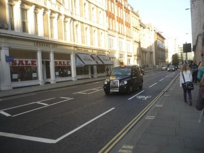 Typický londýnský taxík