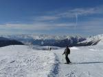 Honza a v dáli zasněžené štíty Alp