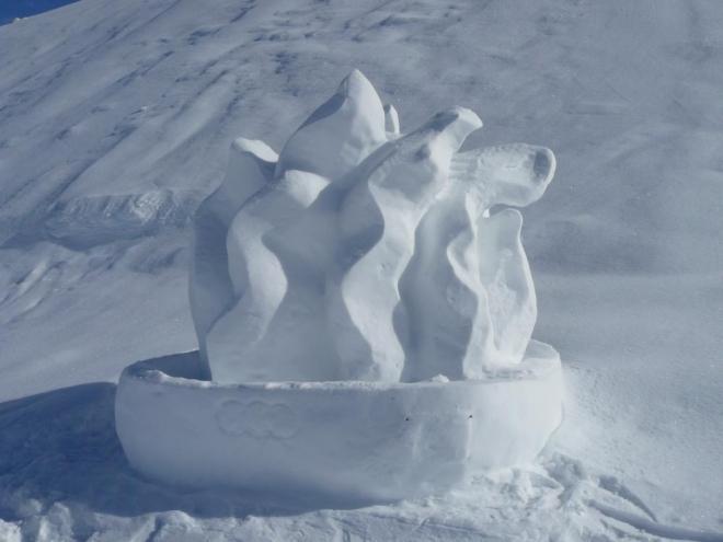 V Klausbergu měli krásné sochy ze sněhu k olympiádě. Schválně, jestli poznáte, co představuje tato.