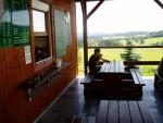 U Zadní Zvonkové je penzion, kde si můžete odpočinout. Výhledy směrem k Lipnu jsou fantastické...