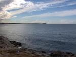 Rozhlehlá hladina Jaderského moře, do něhož ční poloostrov Istrie, jako kdyby se chystala z pevniny odpadnout kapka.