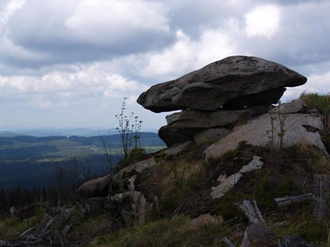 Dřívější název tohoto vrcholu Želnavské hornatiny byl Liščí louka.