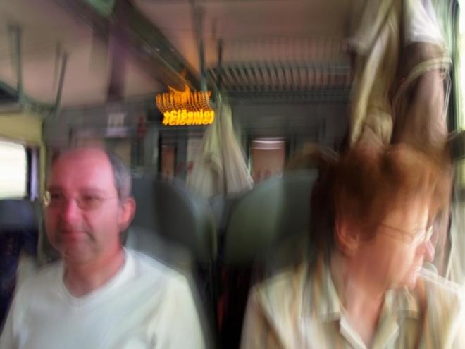 My nakonec všichni zdárně došli a po dramatickém převozu náhradní dodávkou ČD, kdy nám málem odjel vlak v Prachaticích přímo před nosem, se už bavíme o dalších cestách- necestách po naší milované Šumavě.
