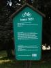 """U Vondrova už kopírujeme i část cyklotrasy 1051 """"Kolem Munického rybníka""""."""