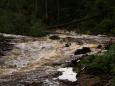 I deště předcházejícího dne a noci byly vydatné, ale vysušená půda tentokrát mnoho vody stihla pobrat.