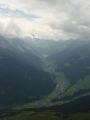 Pohled do údolí Hintertux. Tam už naštěstí sníh není.