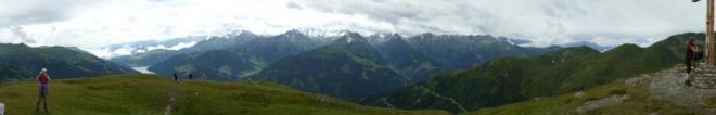 Už lehce podmračené panorama z Isskogelu jako varování.
