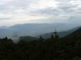 Pohled do údolí ze sedla Priehybka zhruba na jih, tedy k Muráňské planině (pokud se nepletu).