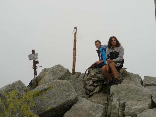 Na vrcholu Chopoku. Stále nemá člověk nikde nic šanci zahlédnout. :(