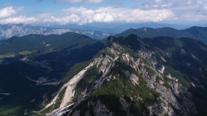 Pohled k Ciprniku, Rateči a Krajnske Gore.