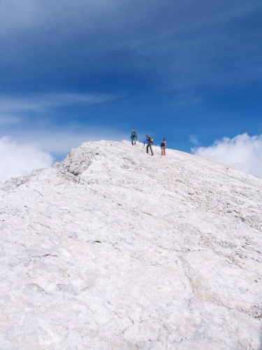 Sněhobílé pláně hřebene Kaninu.