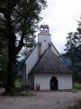 Nedaleko kempu Vodenica stojí tento kostelík.