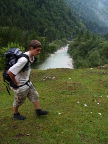Výhledová část cesty, které se tady jmenují Soška Pot. Pravda, potu jsme ve zdejších horách zanechali všichni dost.