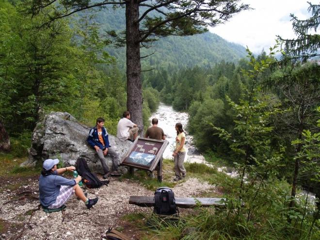 Siesta nad údolím, ideální místo pro menší občerstvení.