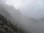 Nahoře se mlha dala krájet