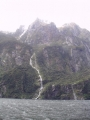 Jeden z mnoha vodopádů