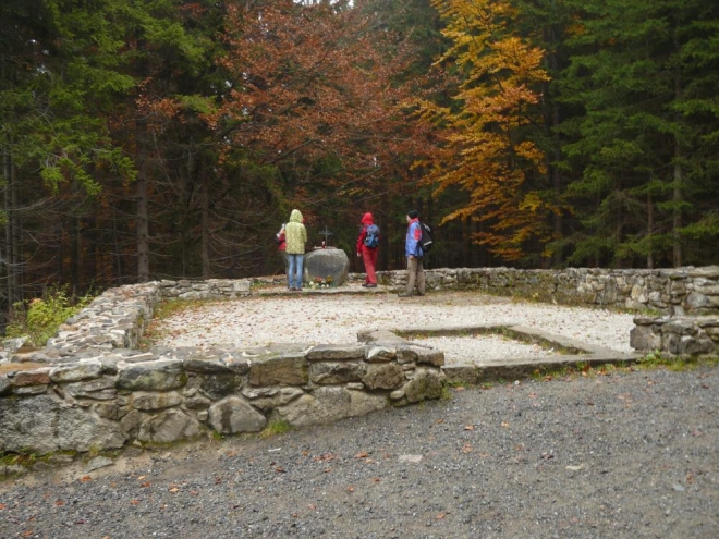 Zbylé základy kaple