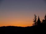 A stejně jako nedaleká Ktišská hora budou dále strážit tajemství prastaré Šumavy až do dalšího svítání.