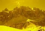 Foceno přes speciální žlutý filtr: lyžařské brýle :)