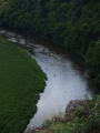 Kanoe brázdí vody Berounky.