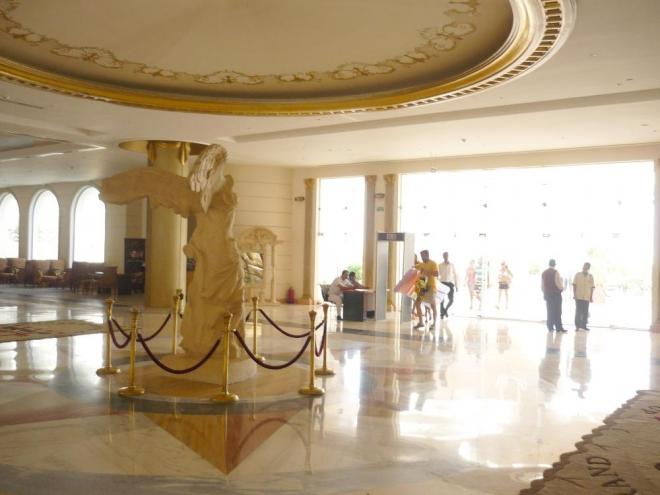 Hlavní hala našeho hotelu