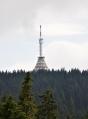 Černá hora s TV vysílačem.