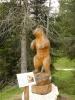 Dřevěná socha medvěda