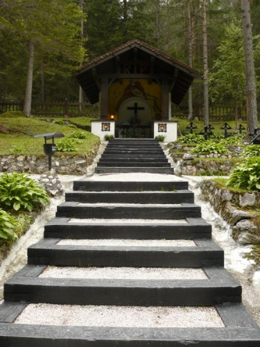 Hřbitov poblíž Monte Piana