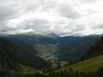 Pohled na Corvaru a hory v jejím okolí