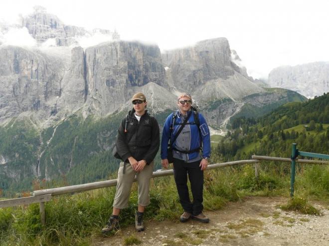 Já a strýc, v pozadí opět Sella Ronda