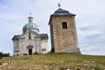 Kaple sv. Šebestiána se zvonicí.