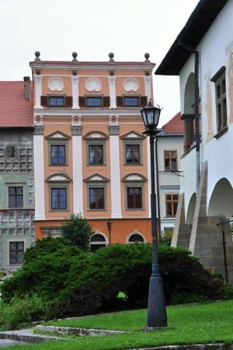 Díky tomu je zapsaná od roku 2009 v seznamu světového dědictví Unesca. Renesanční domy jsou opravdu výstavní.