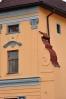 Detail místní budovy.