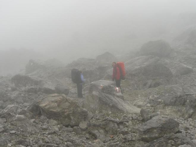 Traverz na Südwandhütte vede měsíční krajinou.