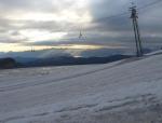 Kdesi v dáli za Totes Gebirge svítí i slunce.