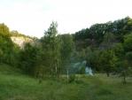 Tábořiště mezi skalami. (Tom)