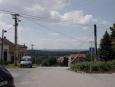 Pěkně pitomá vesnice Okrouhlá, kam se muselo dlouho stoupat po nepěkných silnicích (typických pro okres Blansko) jen, aby se pak zase kleslo. Navíc tam měli vedro :-) (Radim)