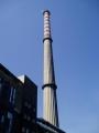 Komín s necelými 100 metry je dominanta okolí.