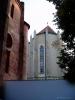 Presbyteř klášterního kostela.