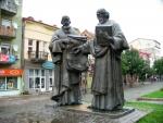 Socha Cyrila a Metoděje v Mukačevu