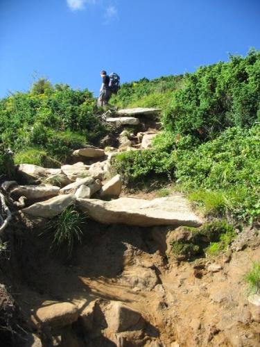 """Po kamenných """"schodech"""" se nejde zrovna dobře."""