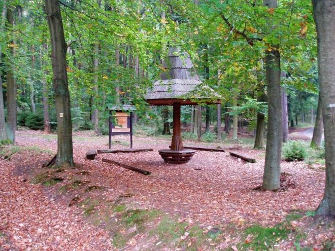 Hůrecké lesy patří od roku 1997 opět písecké lesnické škole jako školní polesí.