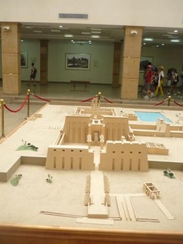 Cesta Karnakským chrámem